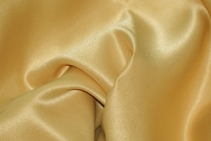 Light Gold L'Amour Satin Table Overlays Overlays