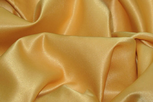 Gold L'Amour Satin Table Overlays Overlays