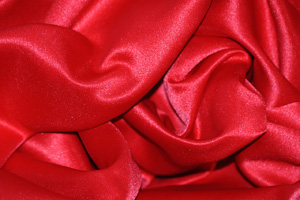 Red L'Amour Satin Table Overlays Overlays