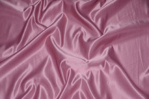 Rose L'Amour Satin Table Overlays Overlays