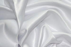 White L'Amour Satin Table Overlays Overlays